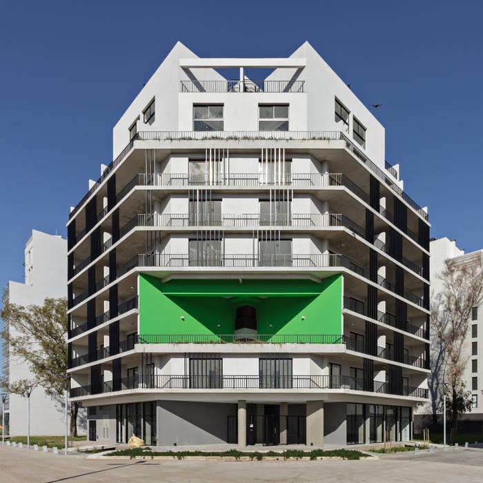 Proyecto de Viviendas para la Villa Olímpica por SMF Arquitectos de SMF Arquitectos / Juan Martín Flores, Enrique Speroni, Gabriel Martinez Moderno