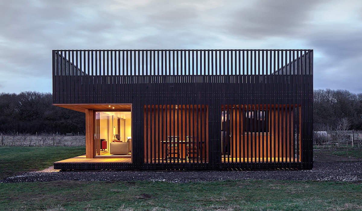 homify Prefabricated home Wood Black