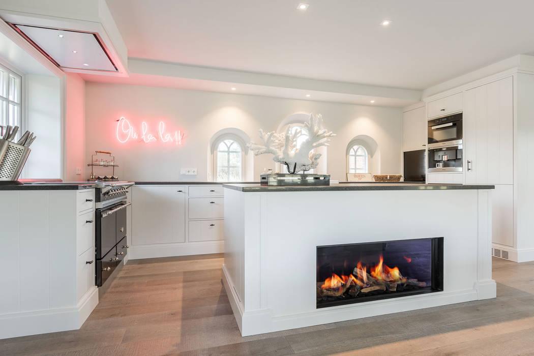 Cocinas de estilo  por Home Staging Sylt GmbH, Rural