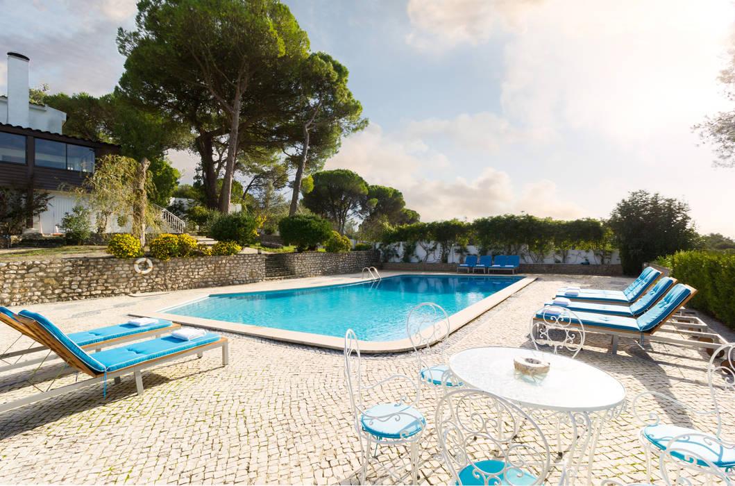 pool: Piscinas  por Pedro Brás - Fotógrafo de Interiores e Arquitectura | Hotelaria | Alojamento Local | Imobiliárias ,Mediterrânico