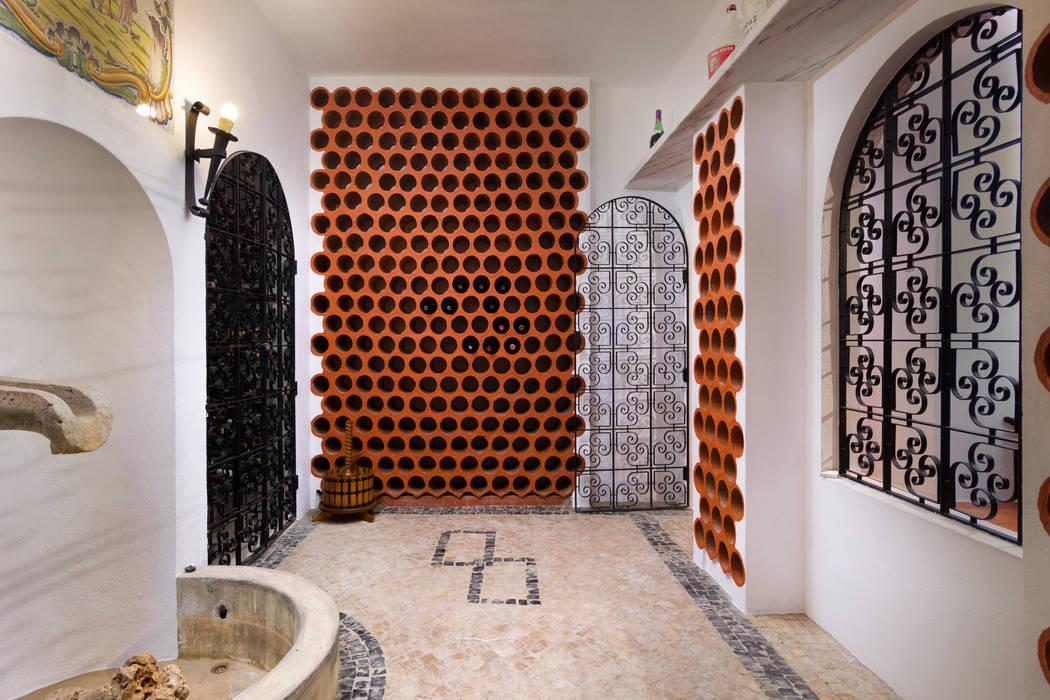 Bodegas de estilo  por Pedro Brás - Fotógrafo de Interiores e Arquitectura   Hotelaria   Alojamento Local   Imobiliárias ,