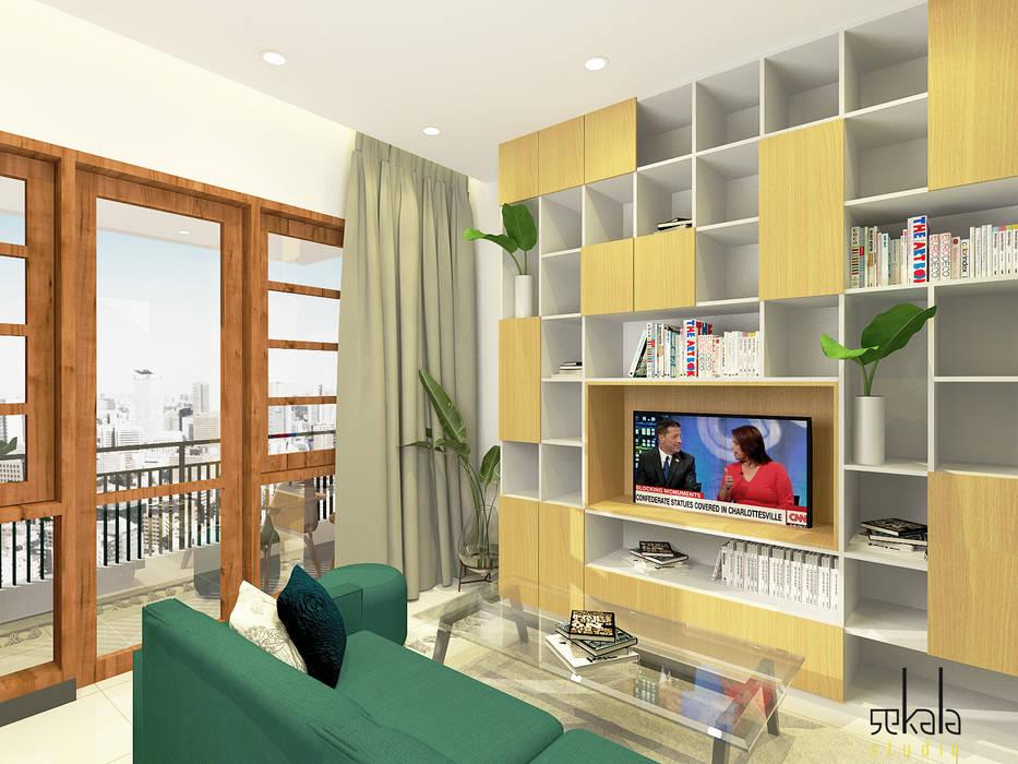 Living Room (Ruang Keluarga) 2nd floor:  Ruang Keluarga by SEKALA Studio