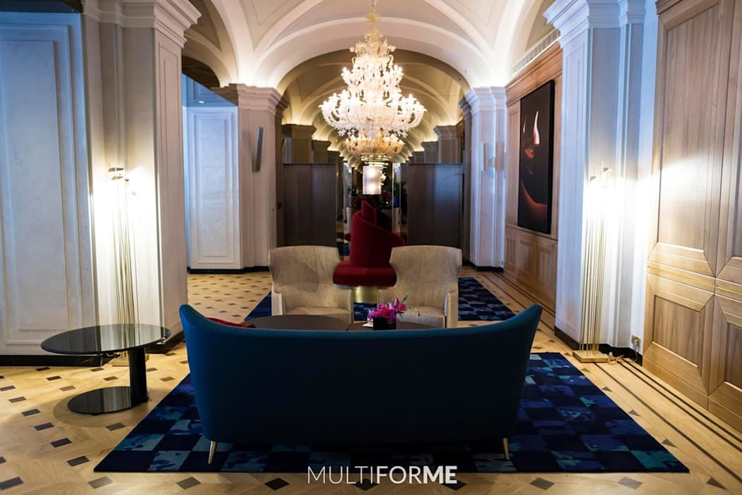 Waiting room with chandelier by MULTIFORME® lighting Класичний