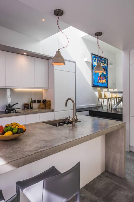 Petersen Brick House Neil Dusheiko Architects Modern kitchen