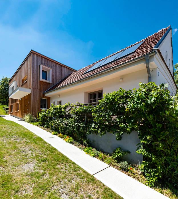 Ökologischer Zubau aus Holz und Stroh Moderne Häuser von AL ARCHITEKT - in Wien Modern