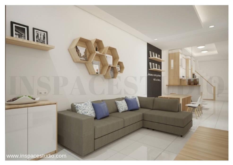 Ruang Keluarga : Ruang Keluarga oleh Inspace Studio, Minimalis