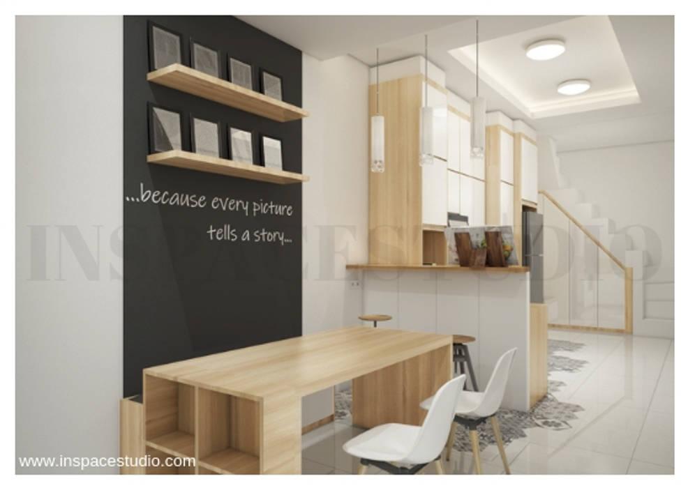 Ruang makan: Ruang Makan oleh Inspace Studio, Minimalis