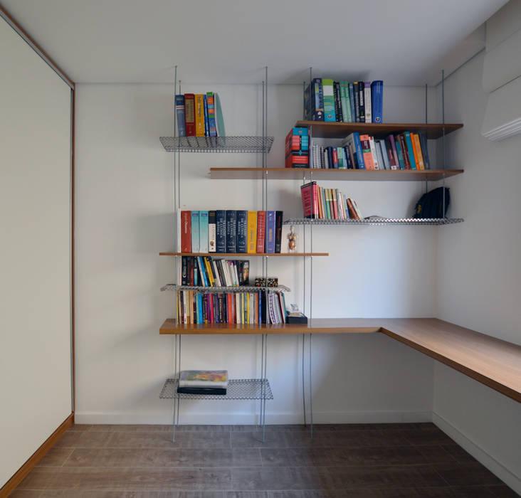Escritório: Escritórios  por Estúdio GT Arquitetura