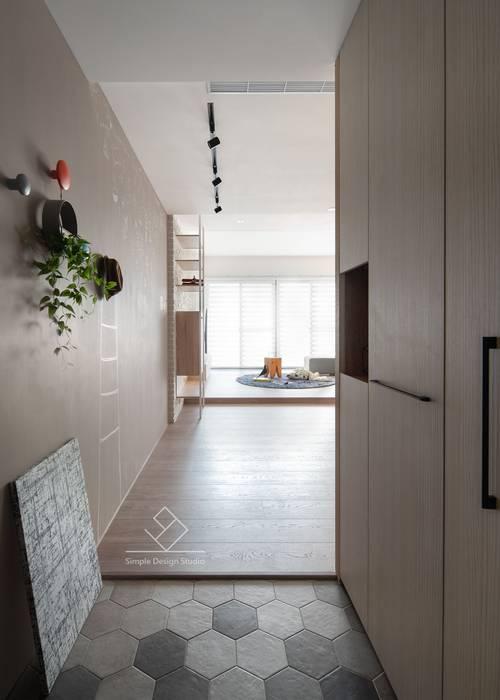 新竹陳宅-清新北歐:  走廊 & 玄關 by 極簡室內設計 Simple Design Studio,