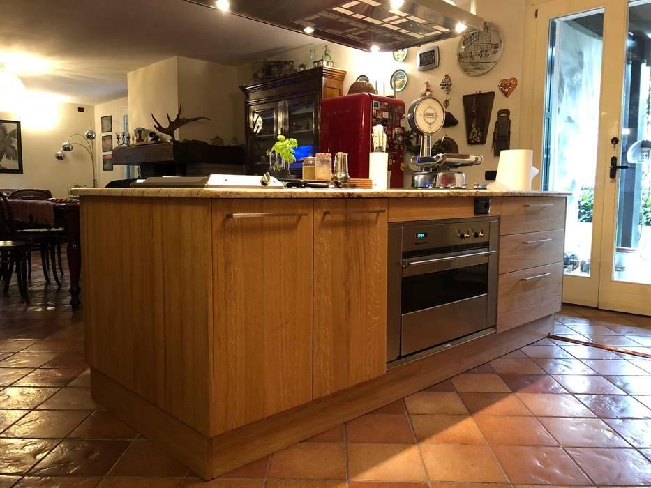 مطبخ ذو قطع مدمجة تنفيذ Studio Forma