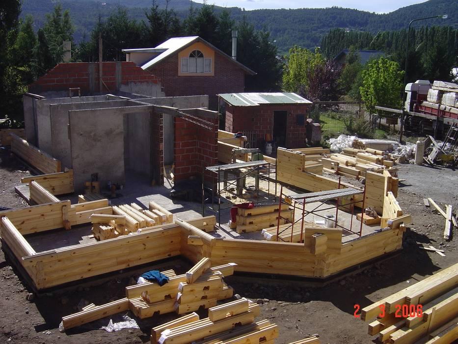 Casa Amancay Ι San Martín de los Andes, Neuquén. Argentina.: Casas unifamiliares de estilo  por Patagonia Log Homes - Arquitectos - Neuquén