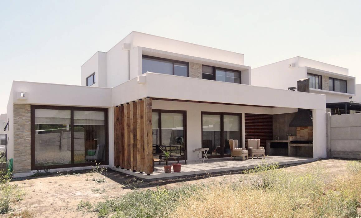 Quincho San Anselmo, 30m2, Chicureo: Terrazas  de estilo  por m2 estudio arquitectos - Santiago