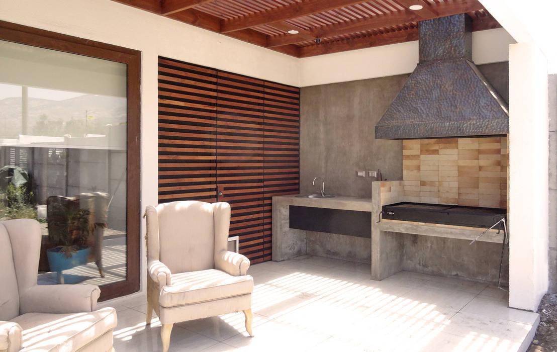 m2 estudio arquitectos - Santiago Balconies, verandas & terraces Furniture