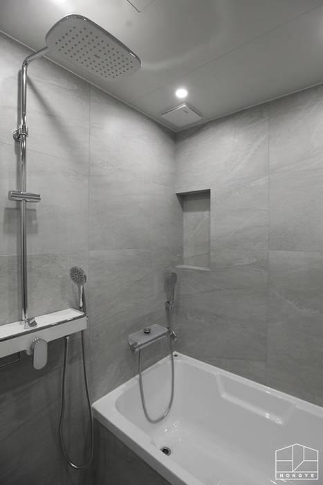 Bagno in stile  di 홍예디자인, Moderno