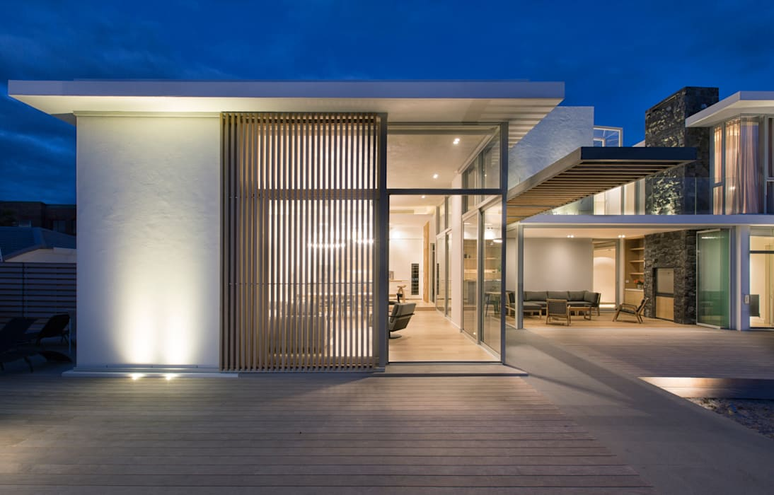 Beach House, Melkbos Modern houses by GSQUARED architects Modern