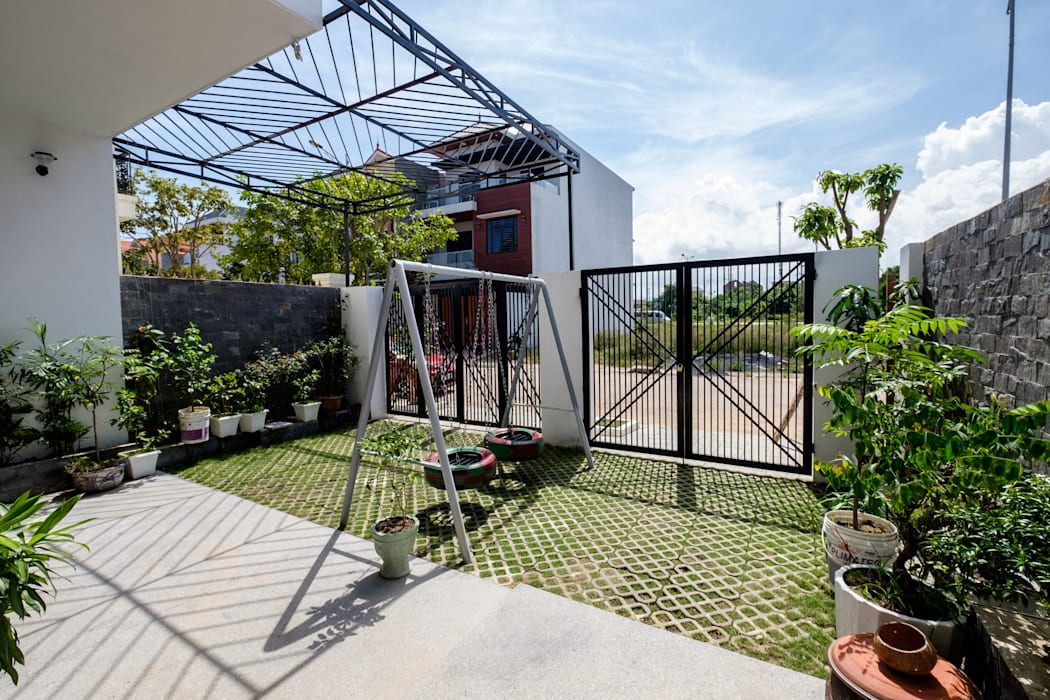 PH - House:  Nhà gia đình by Mét Vuông