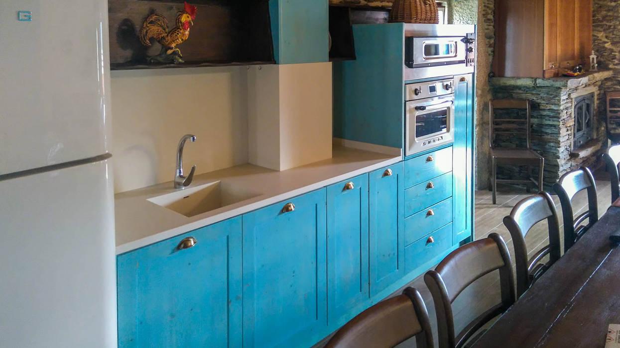Renovação Espaço Rústico: Cozinhas pequenas  por Home Recover