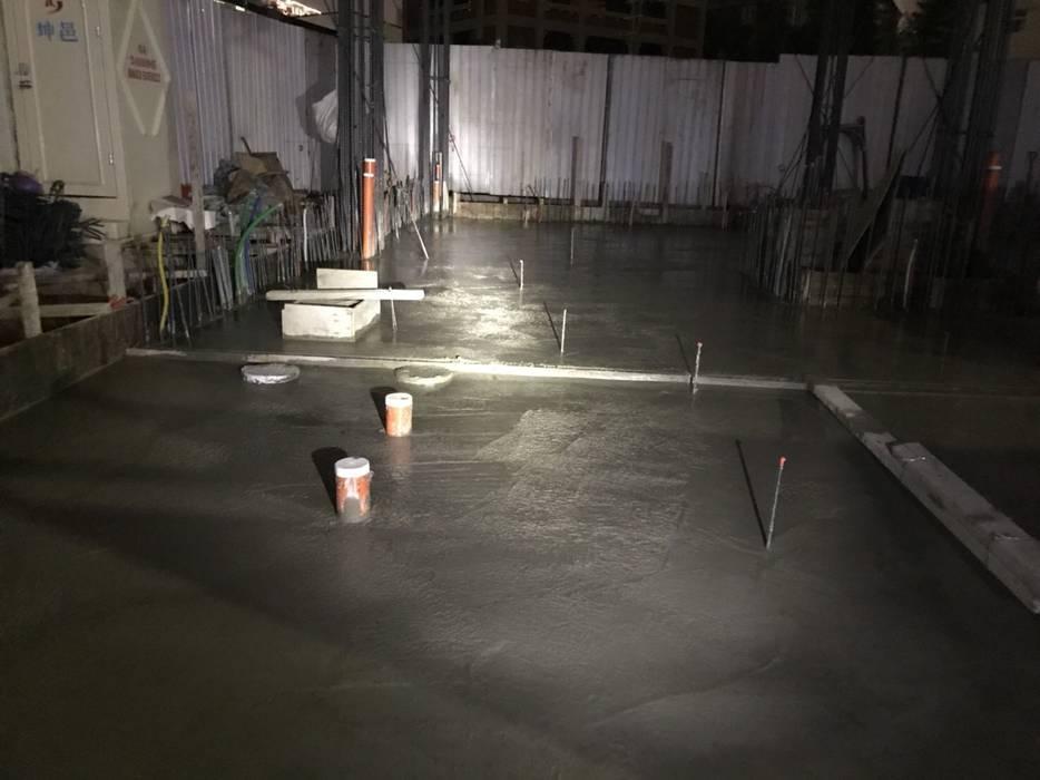 地基板灌漿完成 - PC完成後,接著便是進場放樣,決定柱、樑、版的位置 根據 讚基營造有限公司