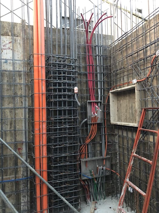 屋突柱牆配管 根據 讚基營造有限公司