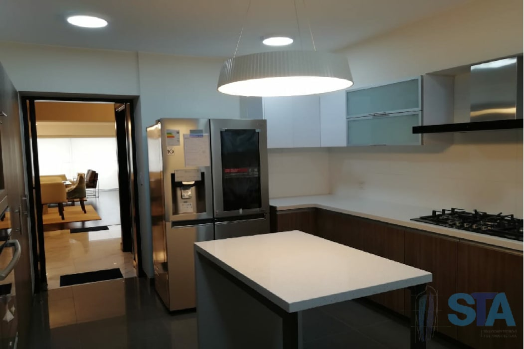 Cocina: Muebles de cocinas de estilo  por Soluciones Técnicas y de Arquitectura