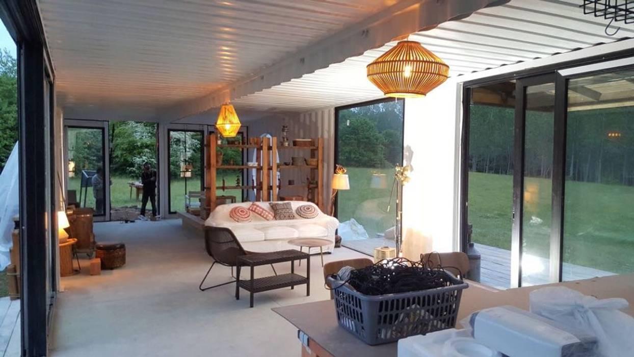 Livings de estilo  por MOVİ evleri, Minimalista