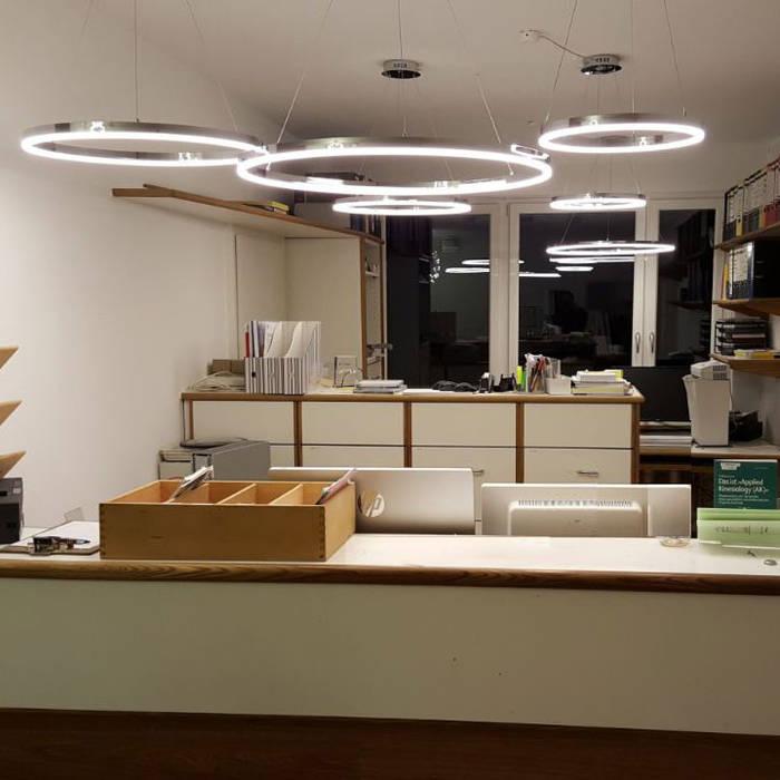 s.LUCE Ring-Hängelampen:  Flur & Diele von Licht-Design Skapetze GmbH & Co. KG