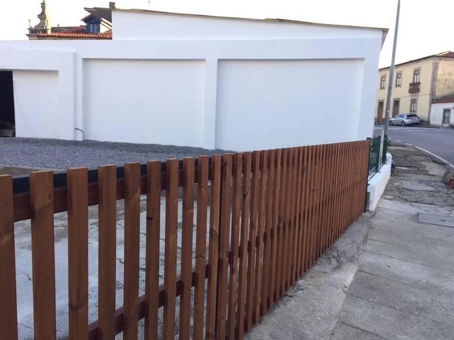 Growing  Obras Stand de Automóveis @ Fão, Esposende por Black Oak Company group ( Ooty. )( Timberman )( Growing ) Moderno