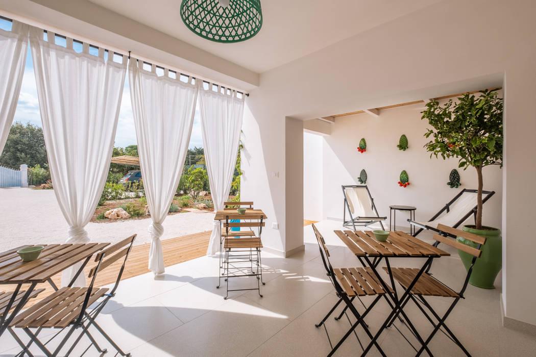 Balcony by ABBW angelobruno building workshop,