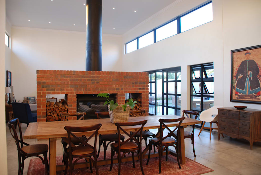 House Eppel:  Dining room by John McKenzie Architecture, Modern
