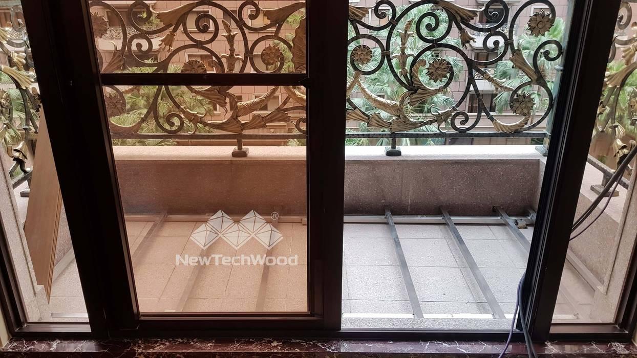 Balcón de estilo  de 新綠境實業有限公司, Asiático Compuestos de madera y plástico