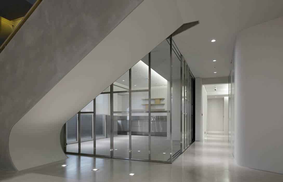 ShinTien Residence 新店住宅 根據 何侯設計 Ho + Hou Studio Architects 現代風