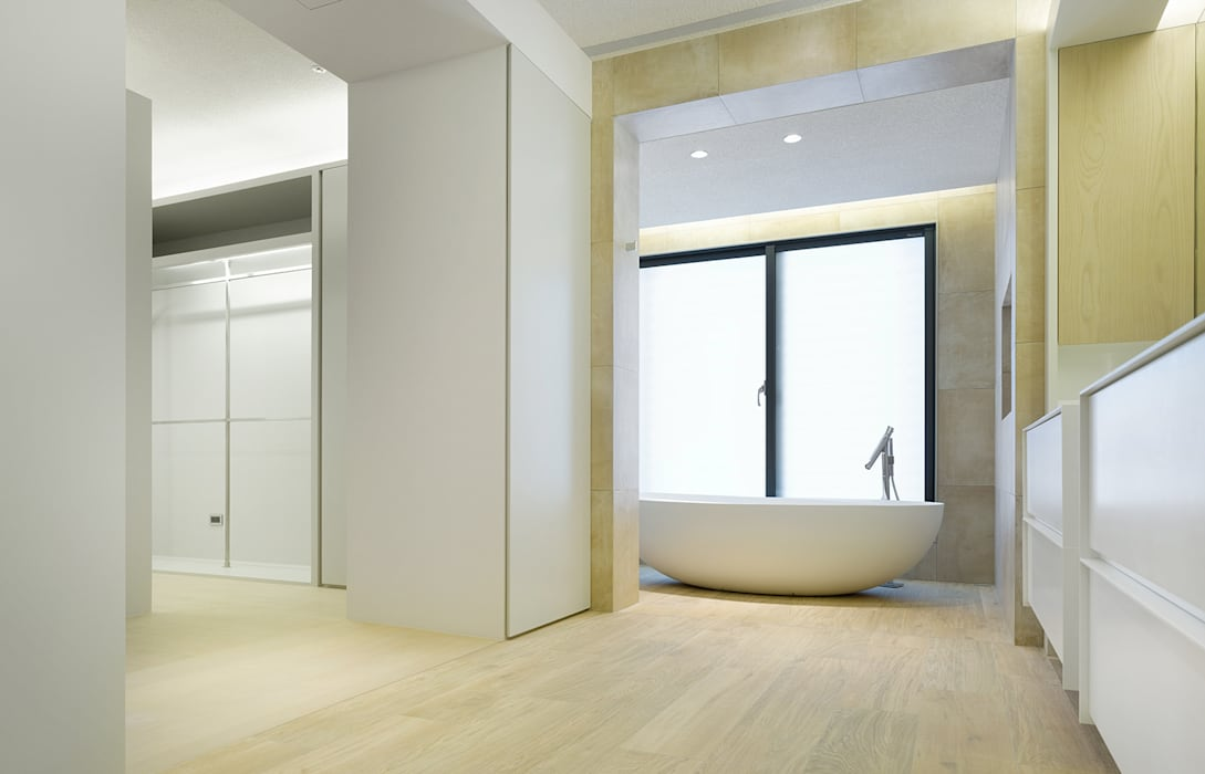 Salle de bains de style  par  何侯設計   Ho + Hou Studio Architects , Moderne