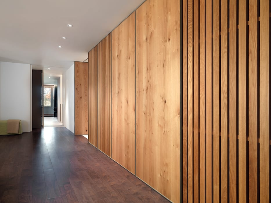 張宅 Chang Residence:  走廊 & 玄關 by  何侯設計   Ho + Hou Studio Architects ,