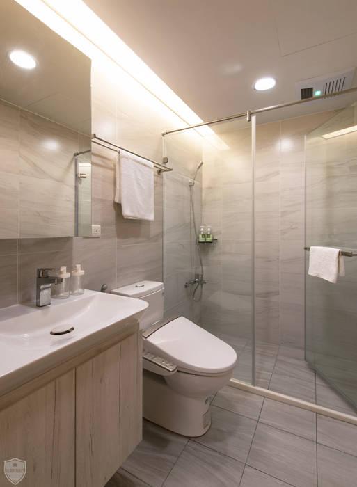 夏荷 裳 | Summer Lotus:  浴室 by 北歐制作室內設計,