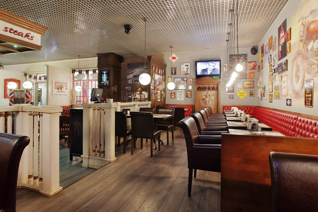 Country style bars & clubs by Novik Design Country