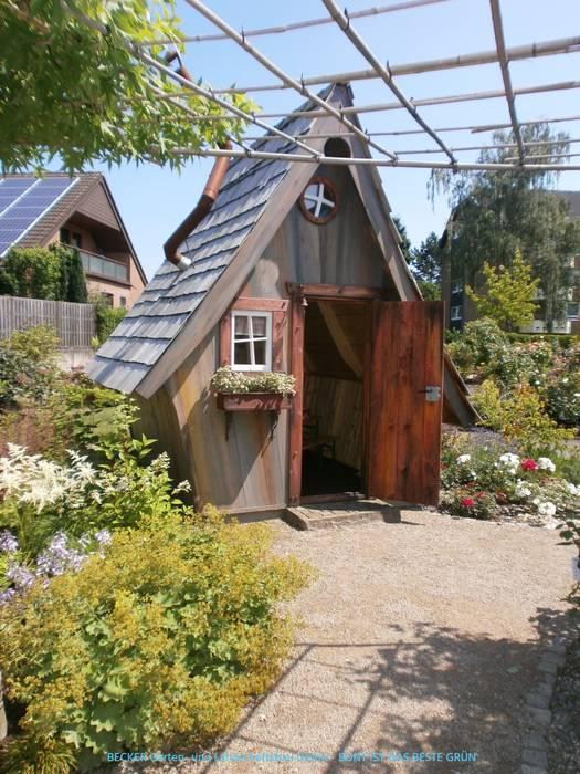 Eclectic style gardens by BECKER Garten- und Landschaftsbau GmbH Eclectic