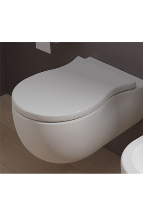 Wall Mounted Water Closet - F-Courbe:  Bathroom by queobathrooms,Modern Ceramic