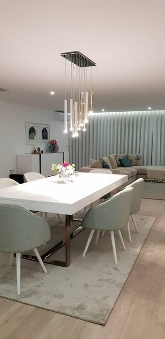 Sala de jantar: Salas de jantar  por Alma Braguesa Furniture ,Moderno MDF