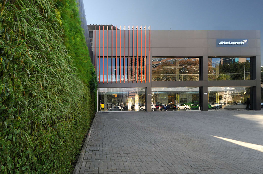 by Vertical Garden - Jardim Vertical e Paisagismo Corporativo Modern