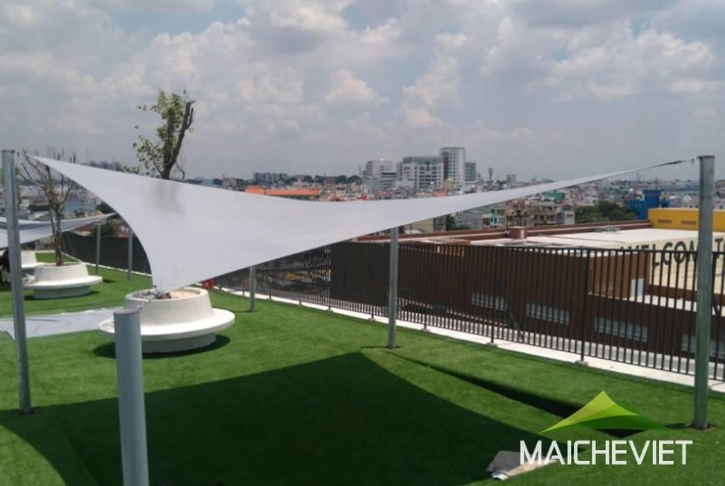 Mái che tại trường quốc tế Việt Úc TPHCM:  Hiên, sân thượng by Công ty TNHH Havico Việt Nam, Tối giản