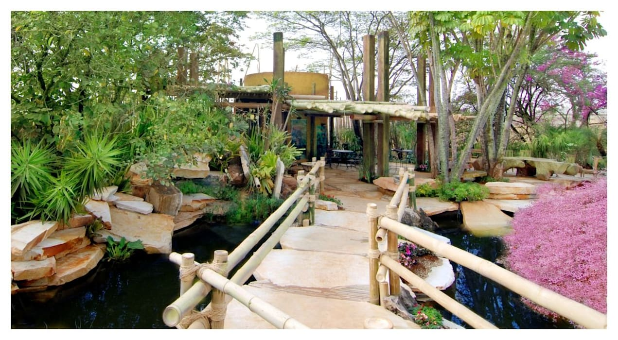 Bars & clubs by Grupo Nehring - Paisagismo e CIA, Tropical