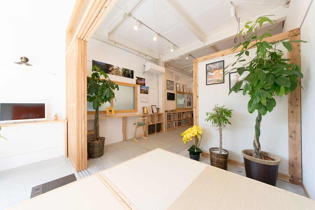 Eclectic style offices & stores by coil松村一輝建設計事務所 Eclectic