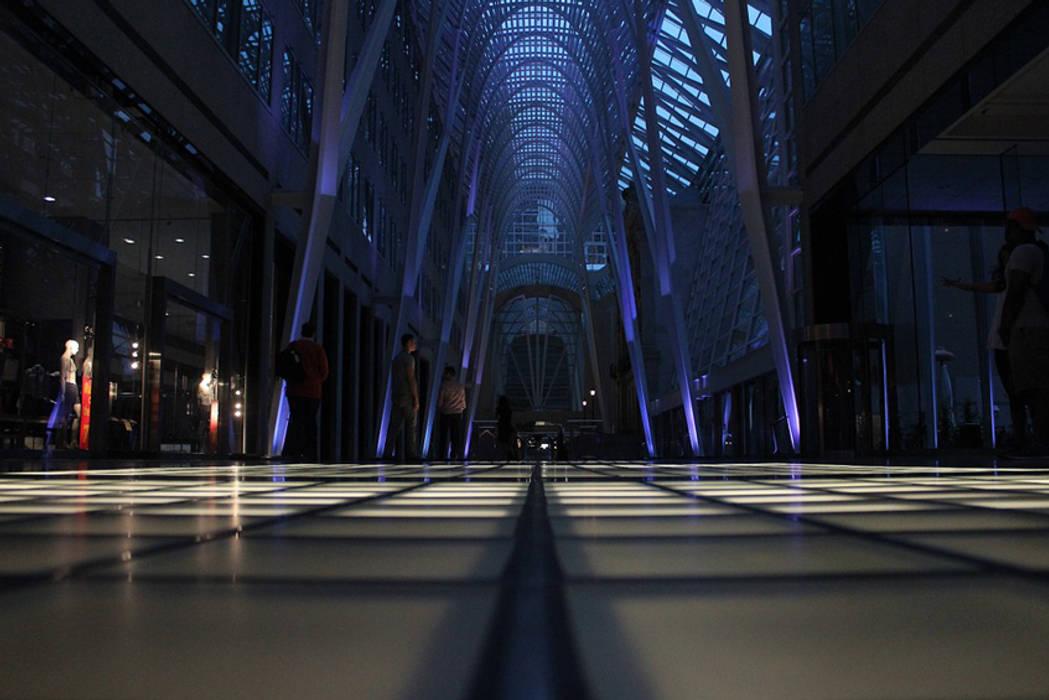 Proyectos de Construcción Comercial GRUPO FHV Centros comerciales de estilo moderno