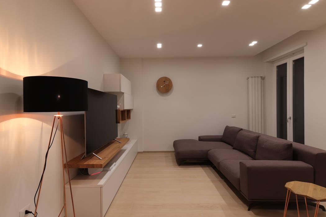 """APPARTAMENTO """"PACCIANI"""": Soggiorno in stile  di Studio di Progettazione e Design 'ARCHITÈ', Scandinavo"""