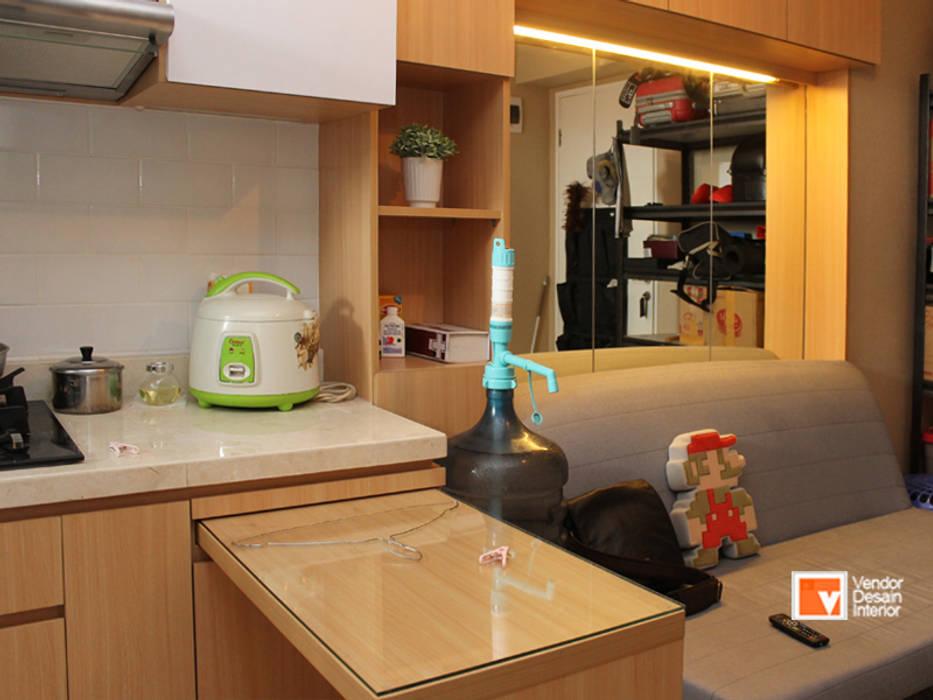 Ruang Keluarga Interior Apartemen : Ruang Keluarga oleh PT Solusi Eka Optima,