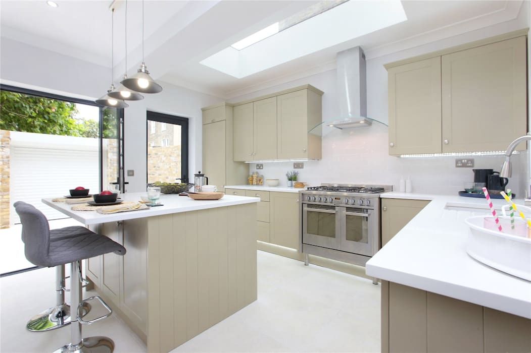 Kitchen extension Richmond by Design and Build London Renovation Modern Solid Wood Multicolored