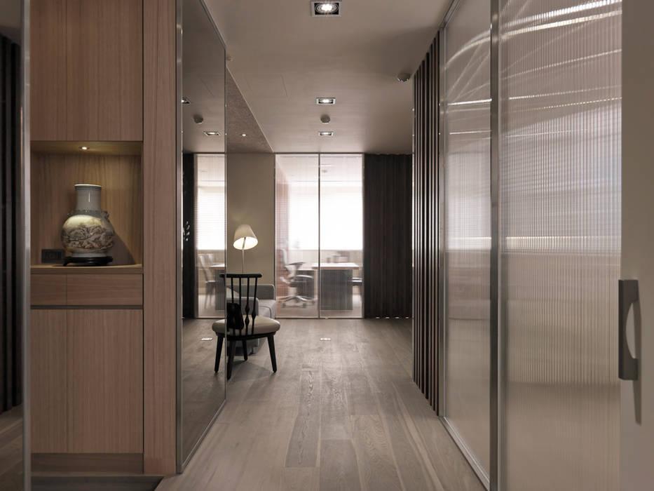 Yongchun MIX:  走廊 & 玄關 by 形構設計 Morpho-Design