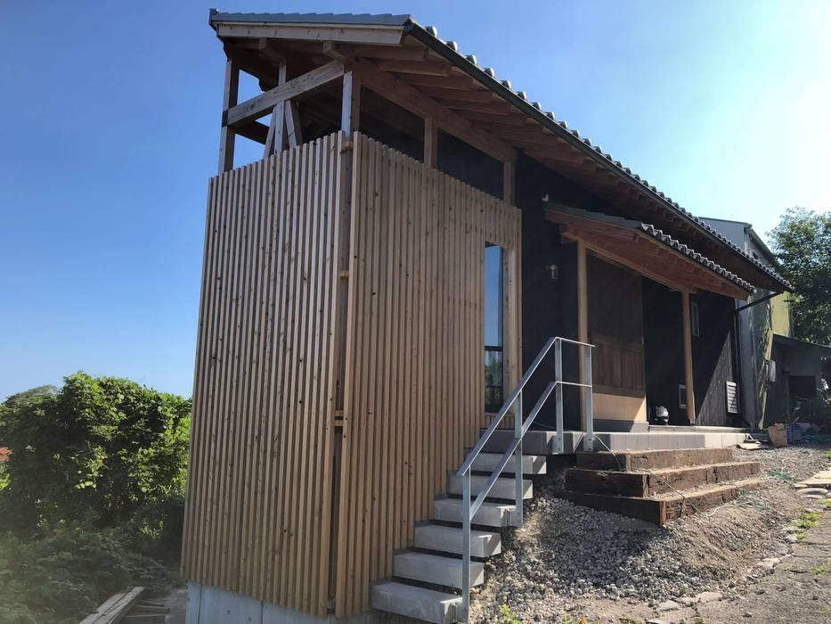 Single family home by (有)クエストワークス一級建築士事務所