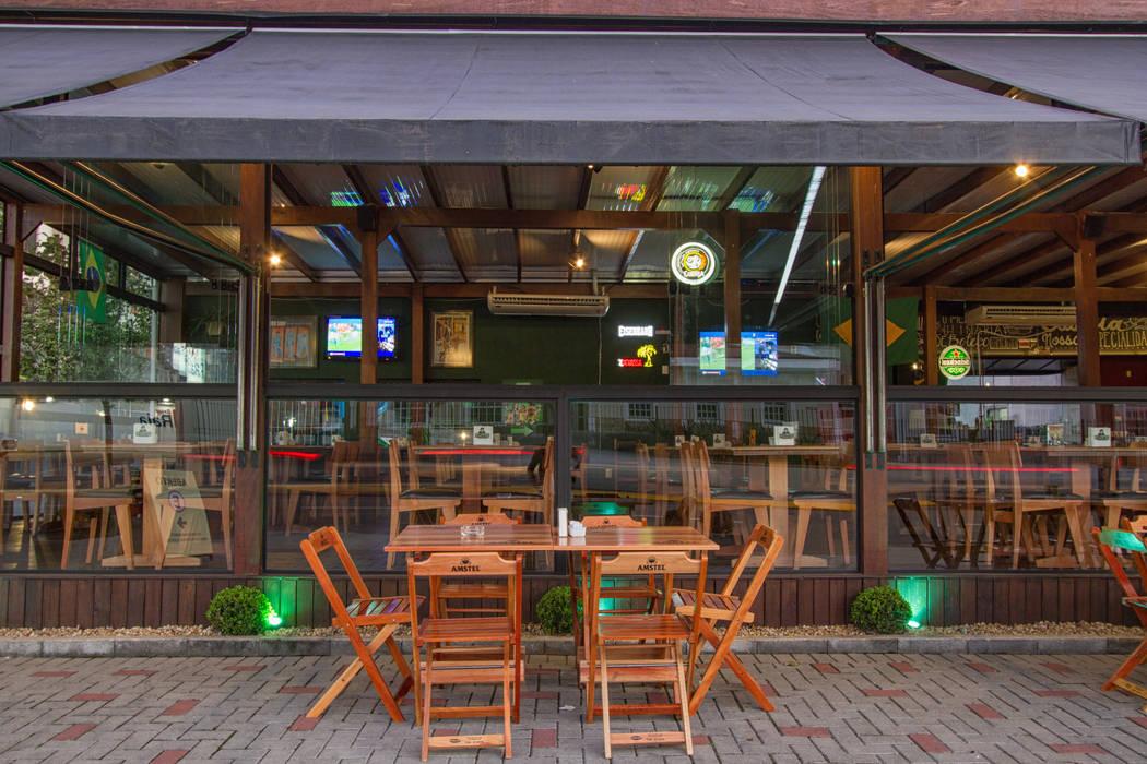 Rustic style bars & clubs by Estúdio Kza Arquitetura e Interiores Rustic