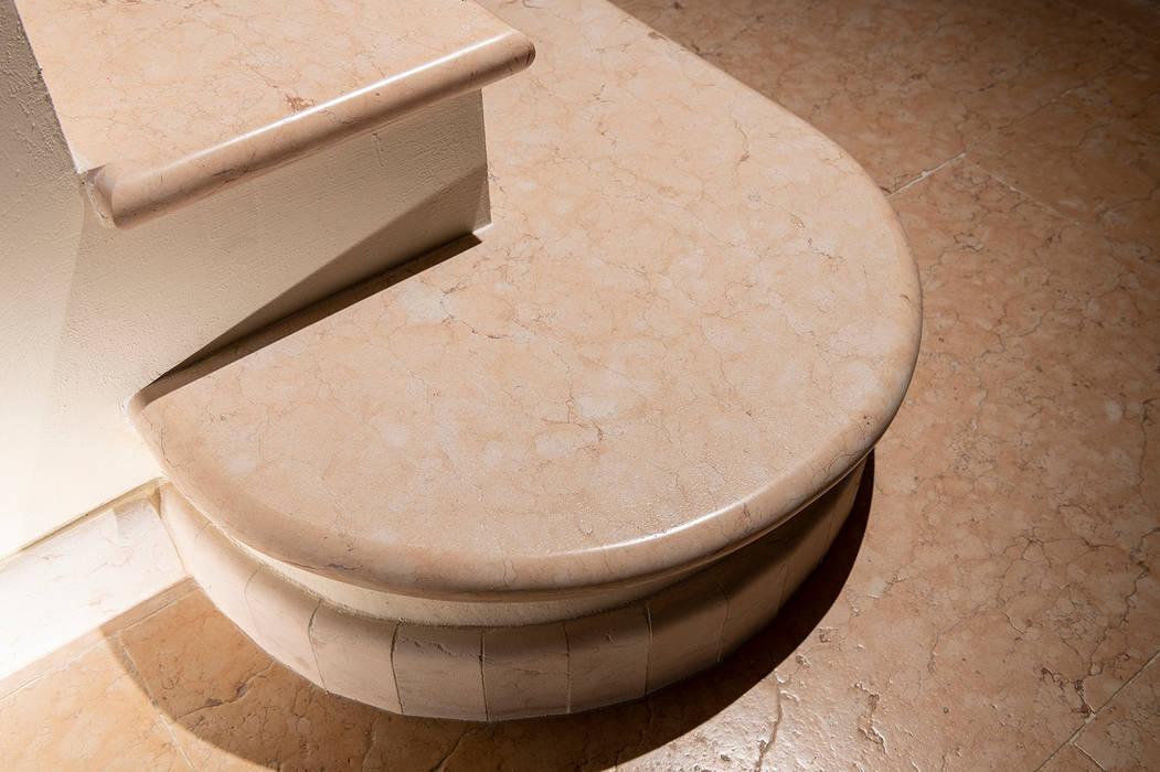 Projekty,  Schody zaprojektowane przez Quintarelli Pietre e Marmi Srl